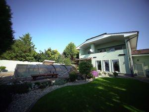 VIDEOOBHLIADKA* 1000 Realít* Užívajte si atmosféru ticha a relaxu v rodinnom dome v Zelenči