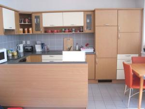Prenájom 2 izbový byt ulica Spieszova, Karlova Ves, novostavba, zariadený