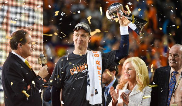 Video: Super Bowl: Denver nedal šancu Caroline a oslavuje trofej