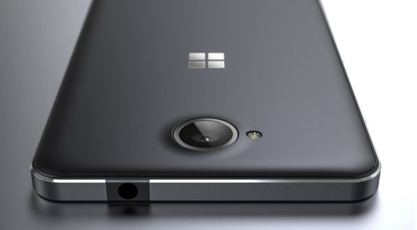 Lumia 650 (zdroj: Windows Central)