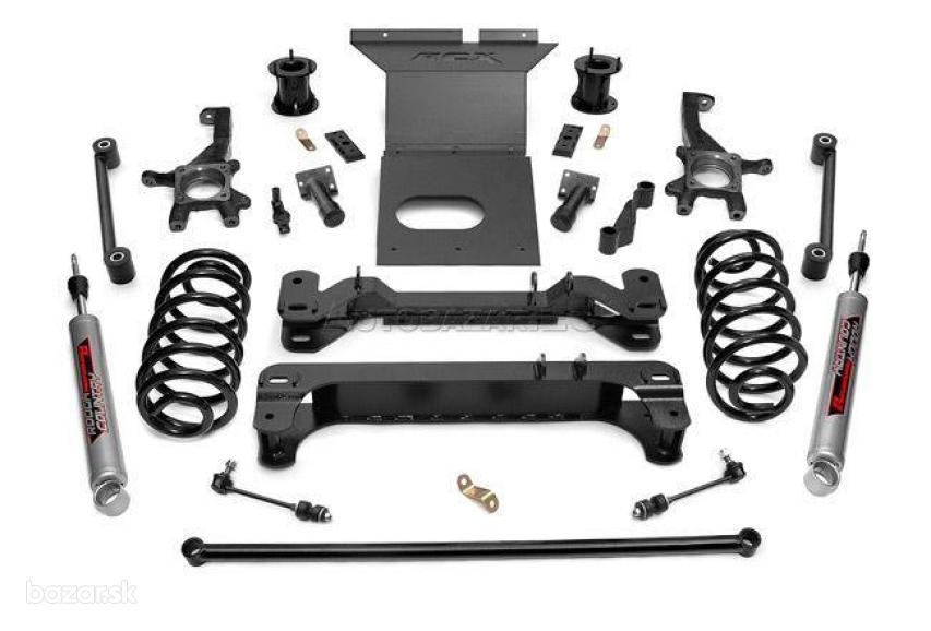 "Toyota FJ Cruiser 6"" Rough Country Lift Kit"