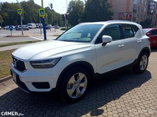 VOLVO XC40 T4 AWD 140kW AT8 MomentumPRO 5+5 Grátis