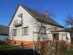 Pekný rodinný dom 5+1 v Chocholnej-Velčiciach s 681 m2 pozemkom