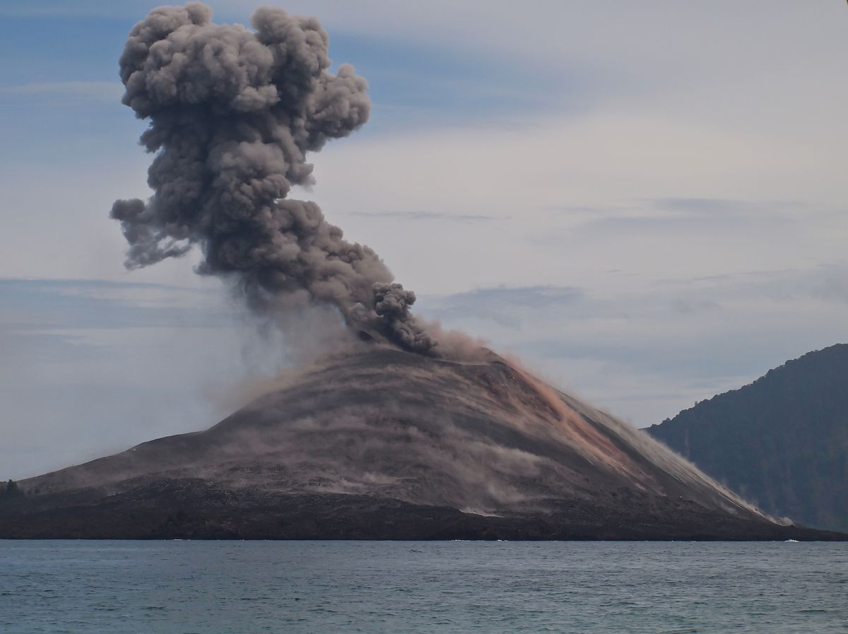 explosive krakatoa The author is a forbes the eruption of krakatoa was the first global catastrophe the final explosion of krakatau produced the loudest.