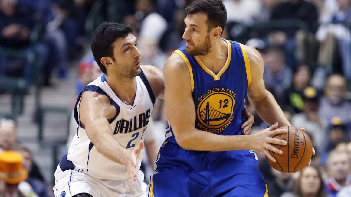 Andrew Bogut, Golden State Warriors, vs. Zaza Pachulia, Dallas Mavericks, NBA, Dec2015